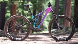Specialized Stumpjumper Comp Carbon 27.5 12-Speed女子山地自行车